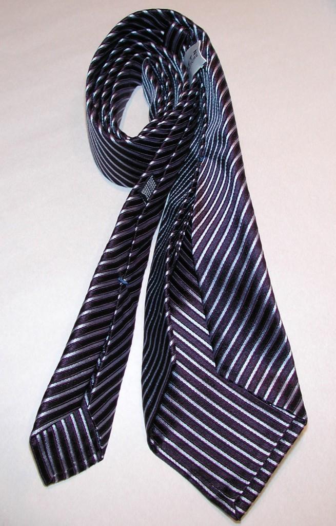 handgefertigte Krawatte mit Streifen in schwarz weiss