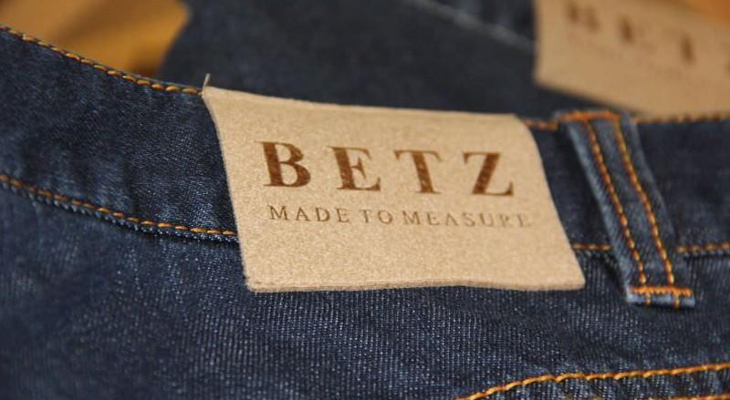 massgeschneiderte jeans